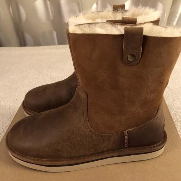 0656662d959 NEW UGG AUSTRALIA Sequoia Boots, Chestnut